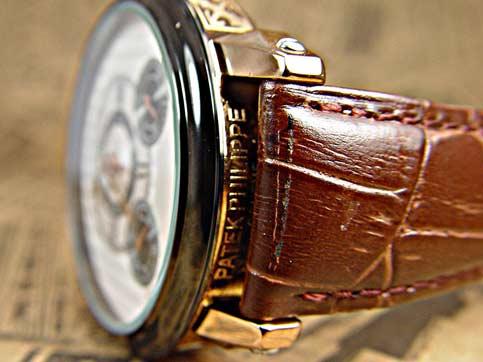 ساعت مچی موتور باز پتک فلیپ مدل 570 سایت اشرافی