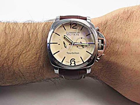 ساعت مچی مردانه لومینور پانرای مدل 25 اف سایت اشرافی
