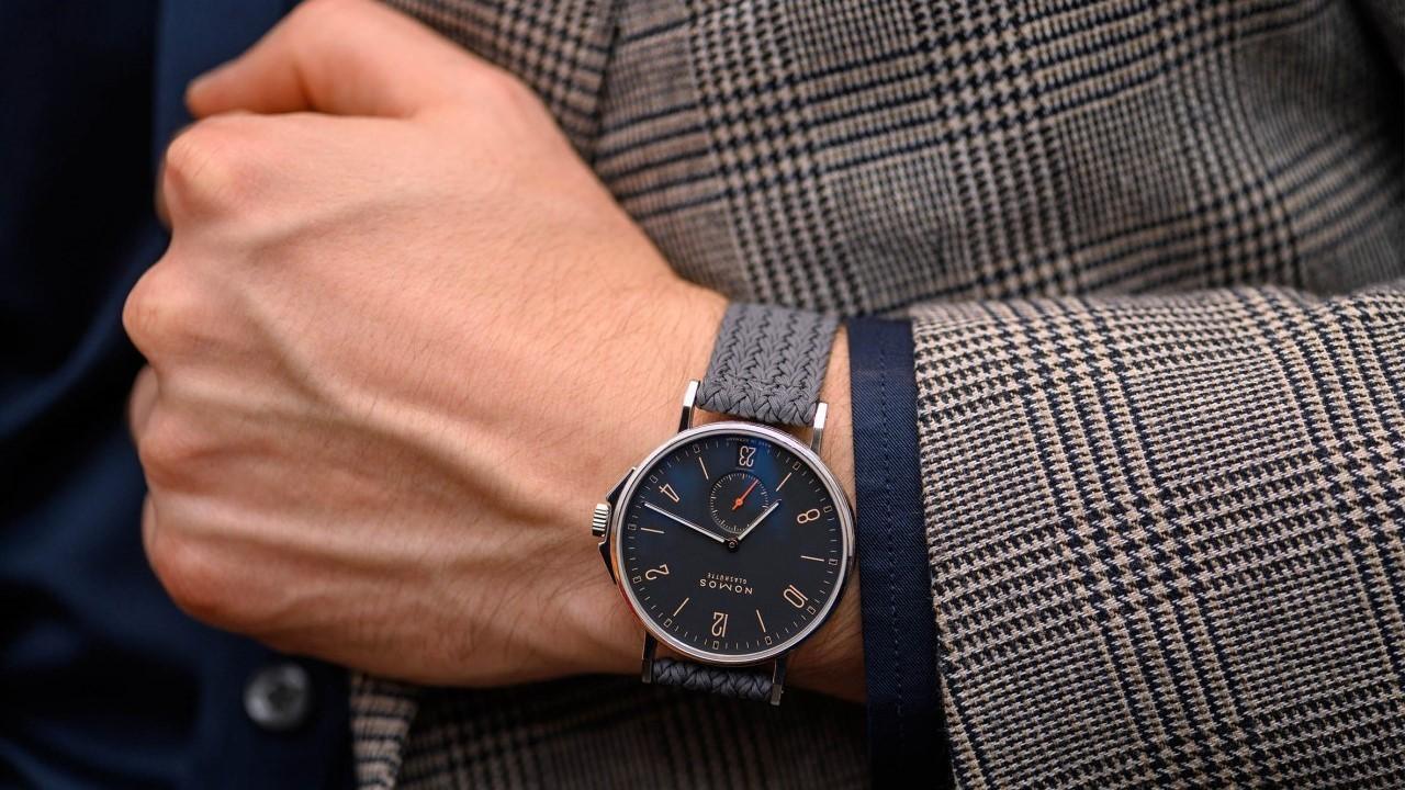 چرا ساعت را روی دست چپ می بندند؟