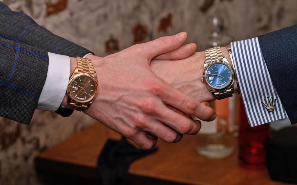 مزایای بستن ساعت بر روی دست چپ