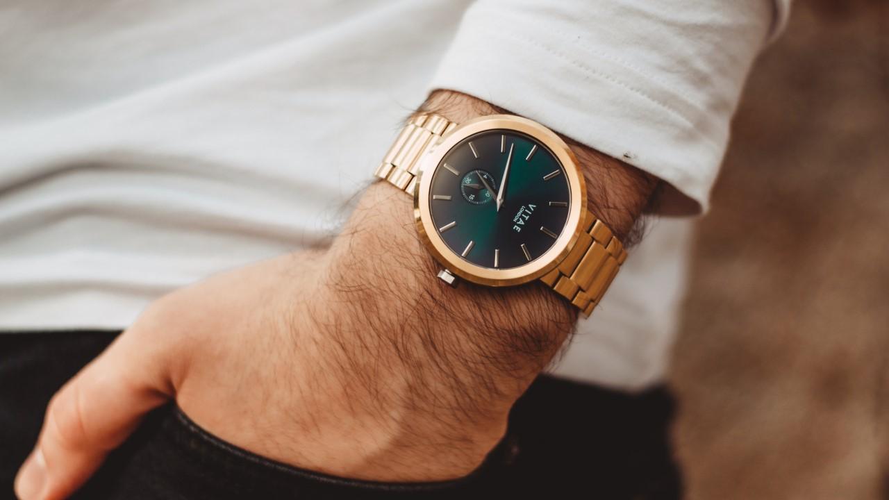 ساعت رو چقدر سفت ببندیم