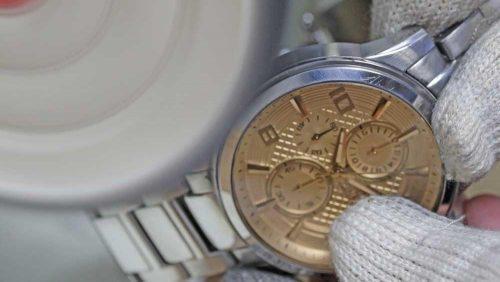 چگونه ساعت استیل را براق کنیم