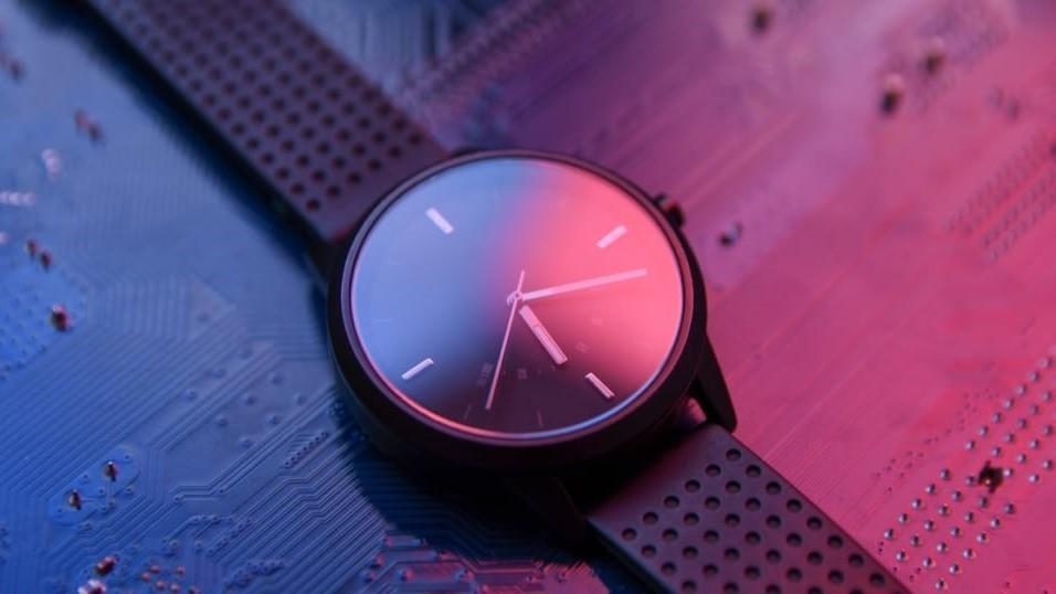 استفاده از ساعت مچی به عنوان قطب نما