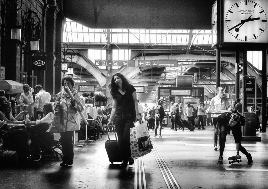 ساعت مونداین در ایستگاه راه آهن