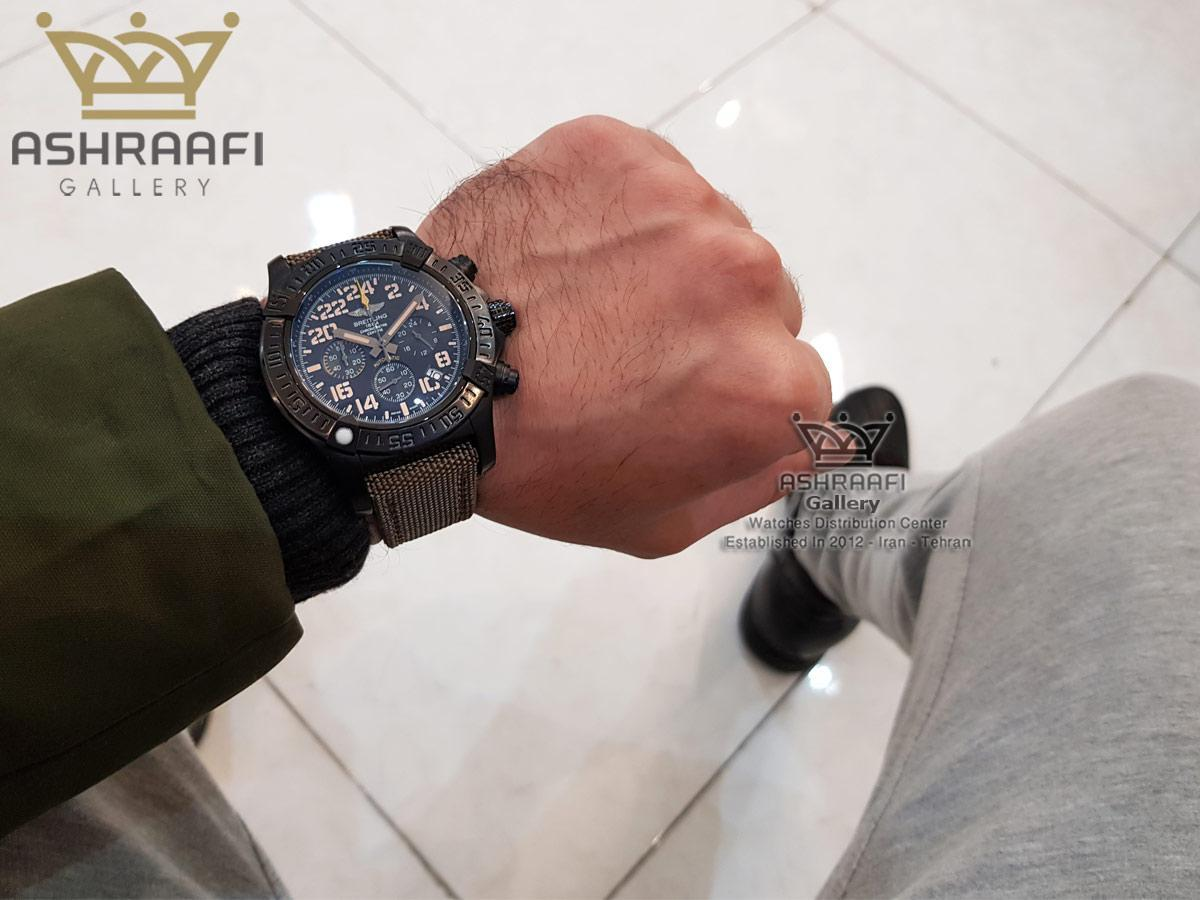 عکس روی دست ساعت Breitling A13370