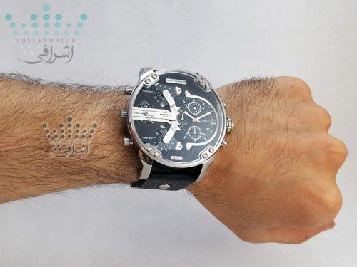 عکس روی دست ساعت دیزل هفت موتوره مدل DZ7313-05