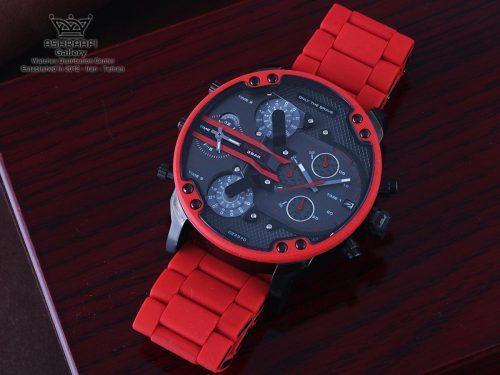 ساعت قرمز رنگ دیزل هفت موتور Diesel DZ7370